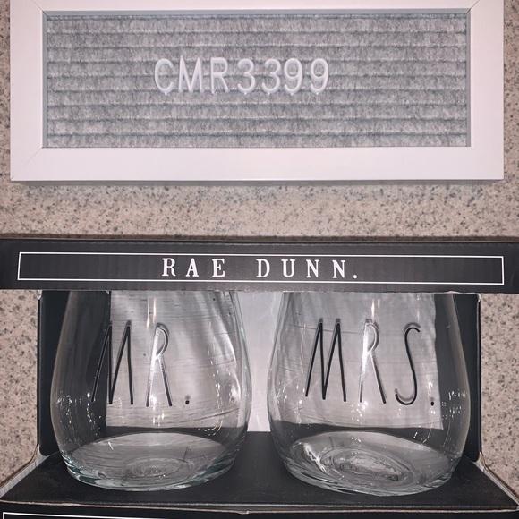 NWT Rae Dunn Mr & Mrs  Wine Glasses